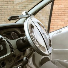 Disklok Silver Finish Large Suits 41.5cm -to- 44cm Steering Wheels